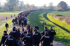 Photos dramatiques de la crise slovène de réfugié Photo stock