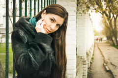 Photosession улицы девушки Стоковая Фотография RF