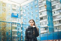 Photosession улицы девушки Стоковое Изображение RF