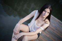 Photoshoot lindo da jovem mulher Fotos de Stock Royalty Free