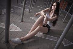 Photoshoot lindo da jovem mulher Imagem de Stock Royalty Free