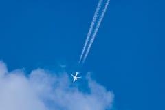 photoshop самолета изолированное летанием Стоковое фото RF