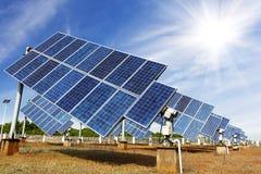Photovoltaic celler eller solpaneler Arkivfoto