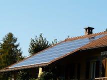 Photovoltaic dak Stock Foto's