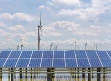 Photovoltaic elektrownia i wiatrowy gospodarstwo rolne Zdjęcie Stock