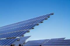 Photovoltaic installation för solpanel Arkivbilder