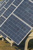 Photovoltaic kraftverk i lantgård Arkivbild