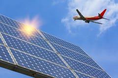 Photovoltaic och flygplan Royaltyfri Bild
