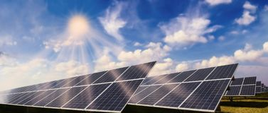 Free Photovoltaic System And Sun Royalty Free Stock Photos - 139735838