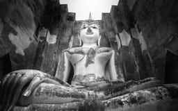 Phra Ajana chez Wat Si Chum, parc historique de Sukhothai, Thaïlande Photos libres de droits
