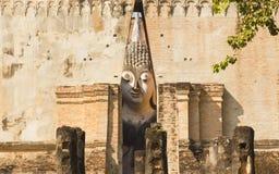 Phra Ajana in Wat Si Chum, het Historische Park van Sukhothai, Thailand Stock Afbeeldingen