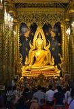 Phra Buda Chinnarat, estatua de Buda en el templo de Wat Phra Sri Rattana Mahathat, Phitsanulok fotos de archivo