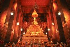 Phra Buddha Deva Patimakorn i watphoen bangkok, Thailand-januari 28: Phra Buddha Deva Patimakorn i watpho på januari 28, 2015 Arkivfoton