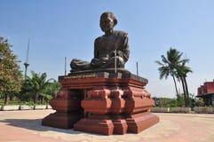 Phra Buddhacharn Toh Phomarangsi, de monniksstandbeeld van Boedha in Thailand Stock Foto's