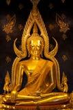 Phra Buddhajinaraja i Phitsanulok, Thailand Royaltyfri Bild