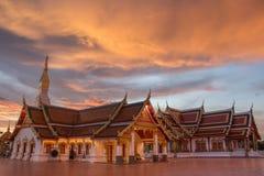 Phra budista do wat da igreja do por do sol esse amigo do choeng fotos de stock