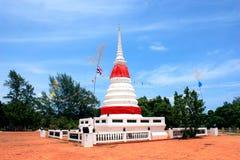 Phra Chedi Klang Nam Pagoda dans Rayong Photos stock