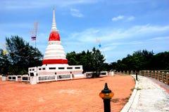 Phra Chedi Klang Nam Pagoda dans Rayong Images libres de droits