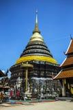 Phra de Wat ese luang del lampang en el templo de Tailandia del lampang Imagen de archivo libre de regalías