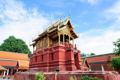 Phra de Wat que hariphunchai Fotografia de Stock