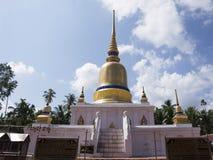 Phra de Wat qui temple de sawi dans Chumphon, Thaïlande Photos stock