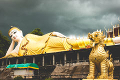 Phra die de Tempel van Suthon Mongkhon Khiri Stock Foto