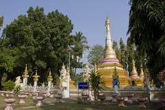 Phra ese gongo de Gu en Wat Srabokaew Fotos de archivo libres de regalías