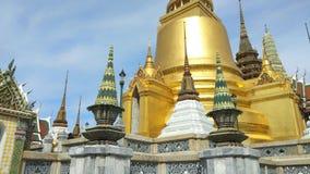 Phra Kaeo, templo de Emerald Buddha, Bangkok Tailandia almacen de metraje de vídeo
