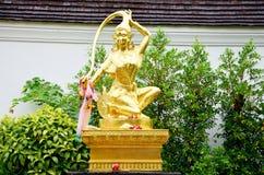 Phra Mae Thorani is een chthonic godin van boeddhistische mythologie stock foto's