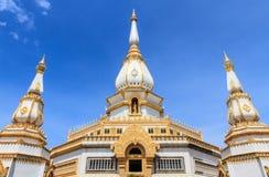 Phra Maha Chedi Chai Mongkol bij roi-Et, Thailand Royalty-vrije Stock Foto's