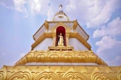 Phra Maha Chedi Chai Mongkol przy Roi Et prowincją, Tajlandia obrazy stock