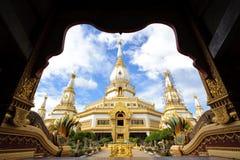Phra Maha Chedi柴Mongkol 图库摄影