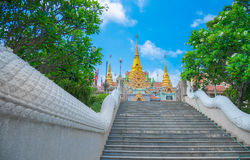 Phra Mahathat Chedi Phakdi Prakat é marco de Prachuap Khiri Foto de Stock