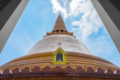 Phra Pathom Chedi на Nakhon Pathom, Таиланде Стоковое Изображение RF