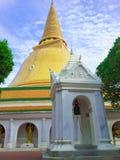 塔(Phra Pathom Chedi) 免版税库存图片