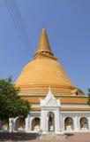 Phra Pathom Chedi, el stupa más alto del mundo. Está situado en la ciudad de Tailandia. Fotos de archivo libres de regalías