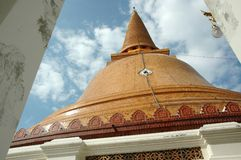 Phra Pathom Chedi Pagoda at Daytime Royalty Free Stock Photo