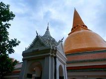 Phra Pathommachedi ένα stupa στην Ταϊλάνδη Στοκ φωτογραφία με δικαίωμα ελεύθερης χρήσης