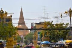 Phra Pathommachedi de tempel in Thailand stock foto