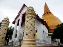 Phra Pathommachedi en stupa i Thailand Royaltyfri Bild