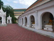 Phra Pathommachedi en stupa i Thailand Royaltyfria Foton