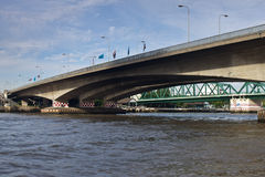 Phra Pok Klao Bridge Stockbilder