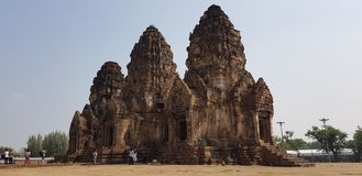 Phra Prang Sam Yot lizenzfreie stockfotos