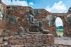 Phra Prang Sam Yot. Monkey and, ancient remains Lopburi thailand Stock Photos