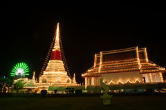 Phra Samut Chedi塔光在泰国 图库摄影