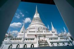 Phra Samut Chedi塔在泰国 免版税图库摄影