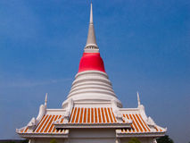 Phra Samut Chedi. The white chedi that contain the Buddha ' s relics , locates in Samut Prakan Province , Thailand Stock Photography