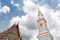 Phra som genast, en gammal thailändsk chedistupa eller pagod som innehåller reliken av Ananda, Yasothon, Thailand royaltyfria foton