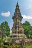 Phra, som Kong Khao Noi, den forntida stupaen eller chedien, som bevarar heliga Buddhareliker, lokaliserade i det Yasothon landsk Arkivbild