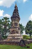 Phra, som Kong Khao Noi, den forntida stupaen eller chedien, som bevarar heliga Buddhareliker, lokaliserade i det Yasothon landsk Arkivfoto
